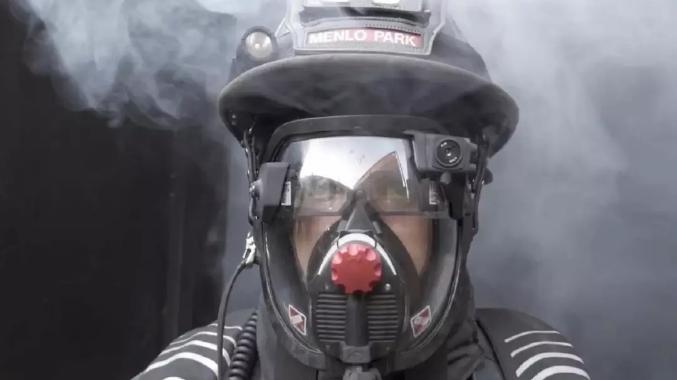 美研发AR消防帽,能见度为零也能看清火灾现场,效率提升3倍